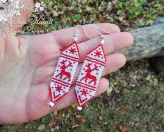 peyote pattern For Christmas Earrings