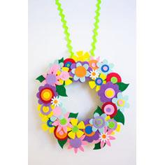 Easy and Colorful Spring Flower Wreath!