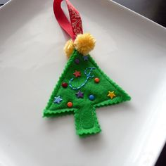 feltchristmas tree ornament