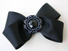 hair bow with button center