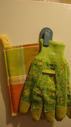 Turn Old Towels Into Pot Holders