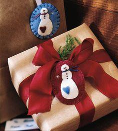 Make a Felted Snowman Pin