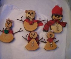 Decorative Wooden Snowman Family.